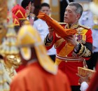 Thailand's King Maha Vajiralongkorn takes a part in the royal cremation procession of late King Bhumibol Adulyadej at the Grand Palace in Bangkok, Thailand, October 26, 2017.   REUTERS/Damir Sagolj